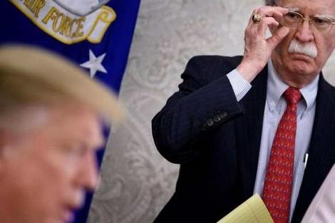 ترامب يقيل بولتون مستشار الأمن القومي الأمريكي
